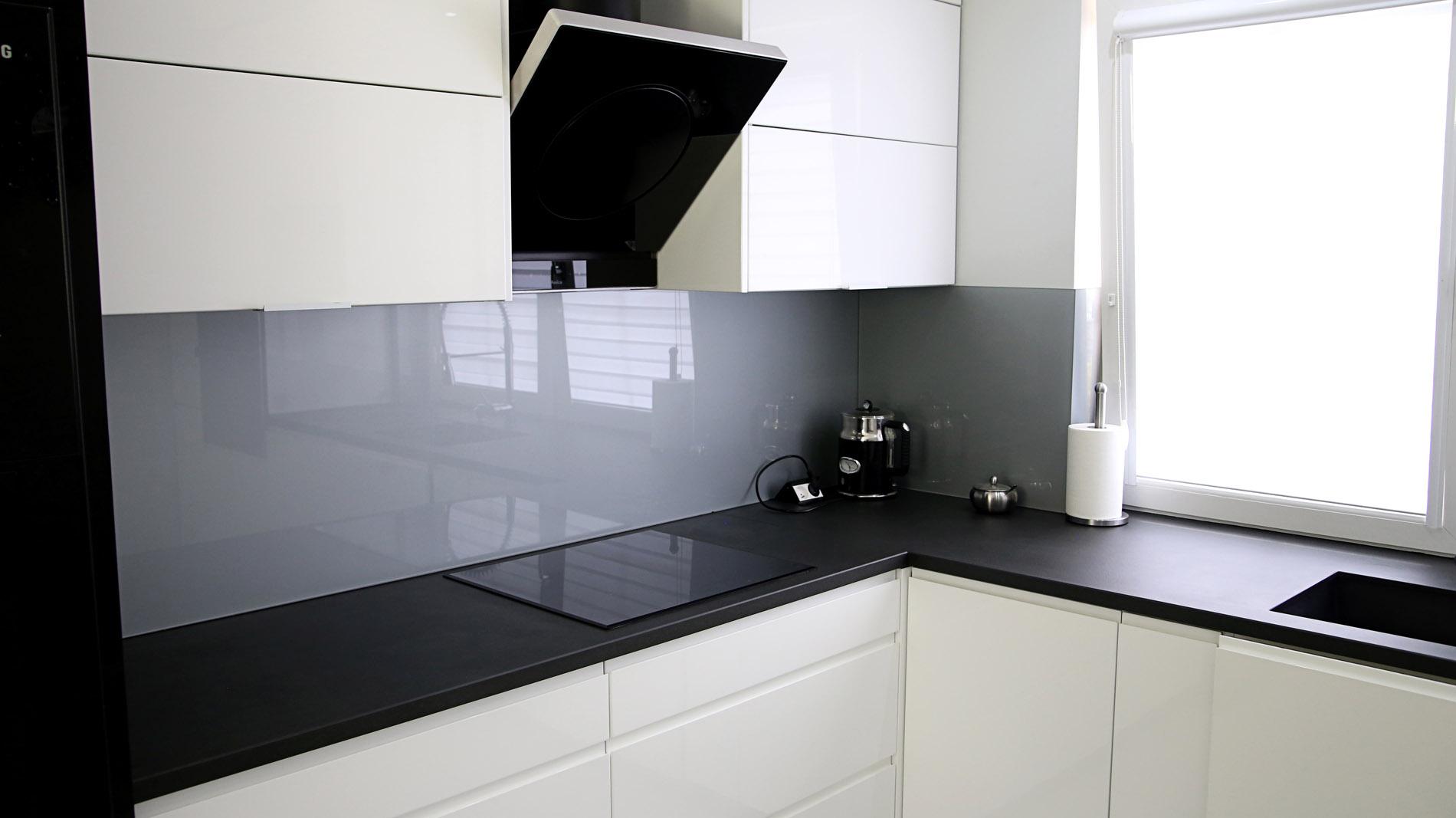 Arbeitsplatte in der Küche z Laminam Calce Nero – Franko Steinwelt