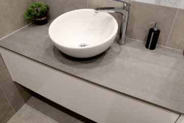 Waschtischplatte aus Pietra di Savia Grigia