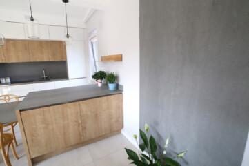 Küchenarbeitsplatten, Waschbecken, Wände aus Pietra di Savoia Grigia