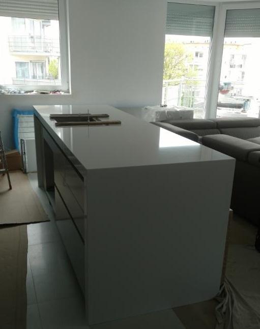 Arbeitsplatte aus Technistone Crystal Absolute White